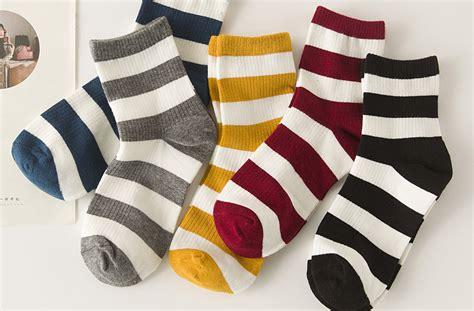 一家袜子店的利润