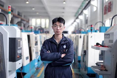 上海工商信息学校校服