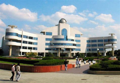 上海市育才初级中学八年级