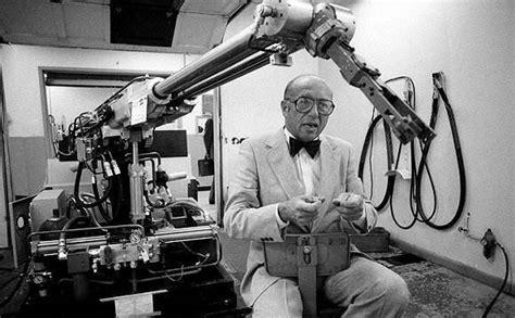 世界上第一个机器人是什么样的