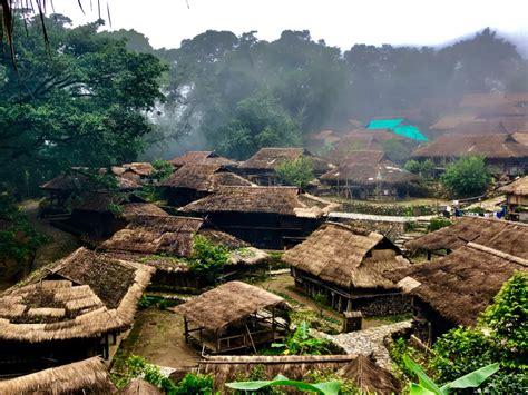中国最后一个原始部落被烧毁背后配图