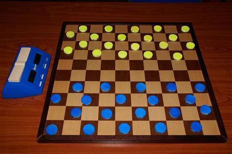 国际跳棋小游戏