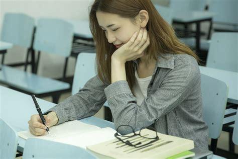 在职研究生报考+专业有哪些学校