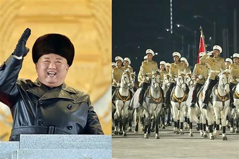 朝鲜举行大阅兵金正恩出席