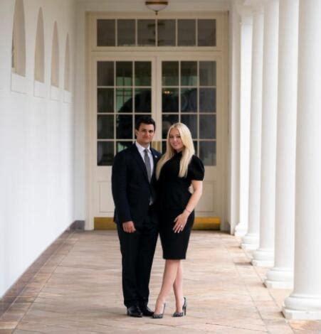 特朗普任期最后一天小女儿订婚